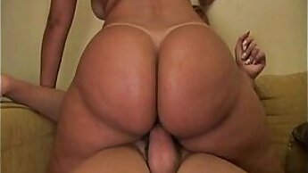 Booty sweetie has to please two shemale dudes