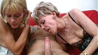 Amateur Threeway with Housewife