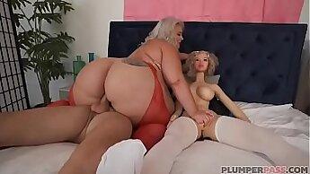 Chubby ebony big breasted hooker having dildo fun