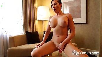 Babes - Masterbation - Sapphic Erotica - Leonie