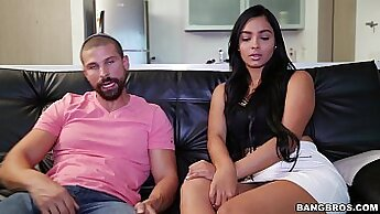 Close Star Down Ashley Maria Taking Huge dong Inside Her Ass
